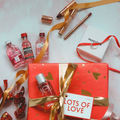 Valentines Gift Guide Lush Lots of Love Gift Set and Malteser Truffles